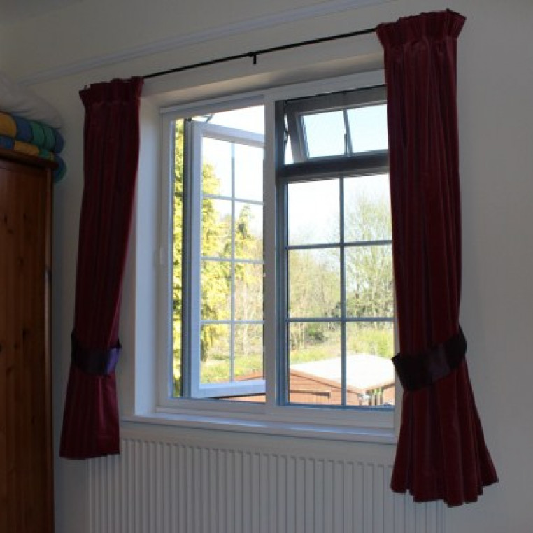 Twin Sliding Pet Screen for Windows (Made-to-Measure)