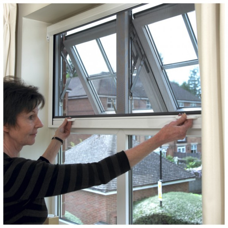 Roller Fly Screen for Windows (Made-to-Measure)